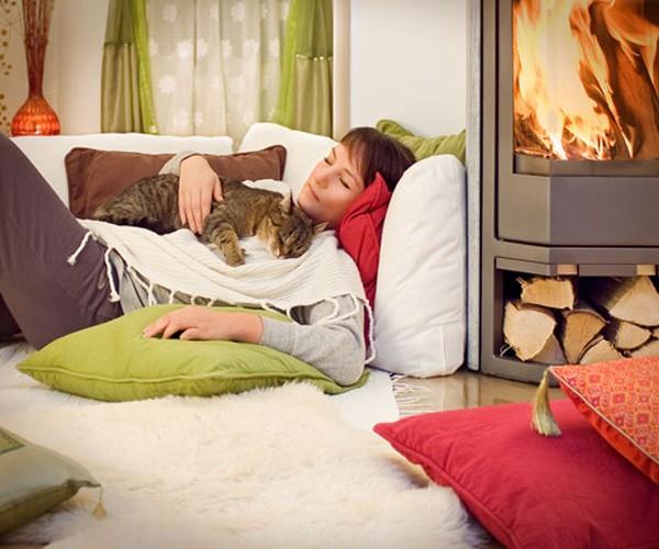 Как котките могат да помогнат, при проблеми със съня